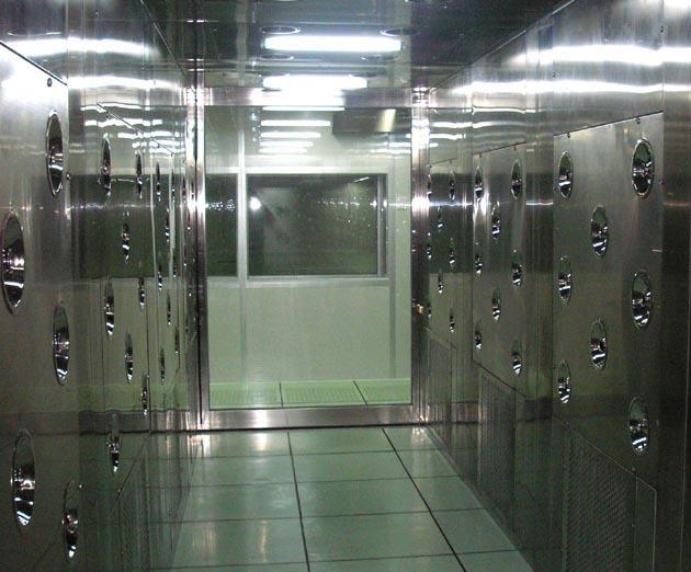 锂电池生产车间的风淋室如何选型 广州风淋室生产厂家