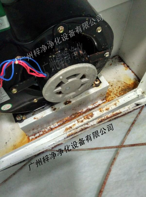 腐蚀环境下的风淋室检修口1