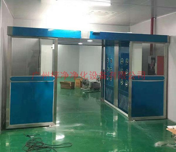 xianchang安装中的全自动平移门风淋shi图片二